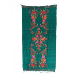 100% silk scarf. Hand embroidery.